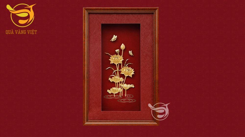 tranh hoa sen mạ vàng 311